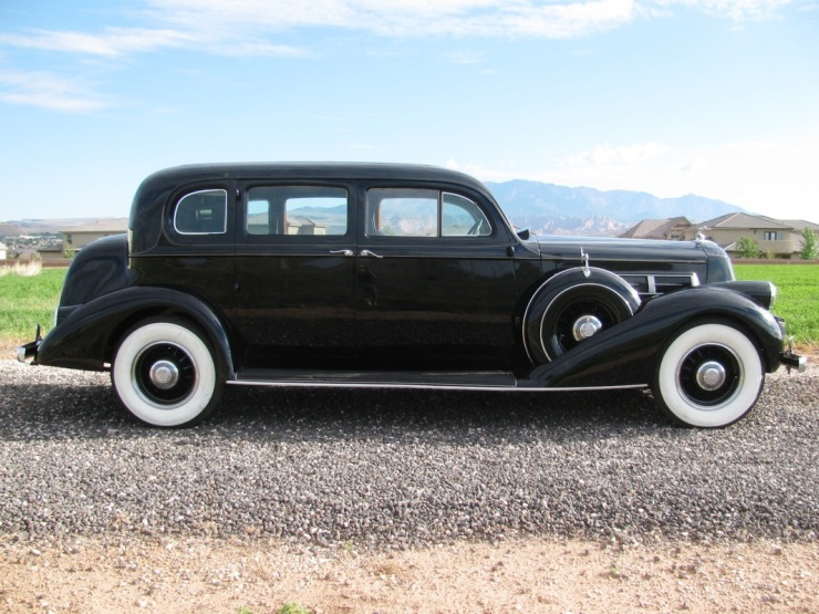 1937 Pierce Arrow Limo