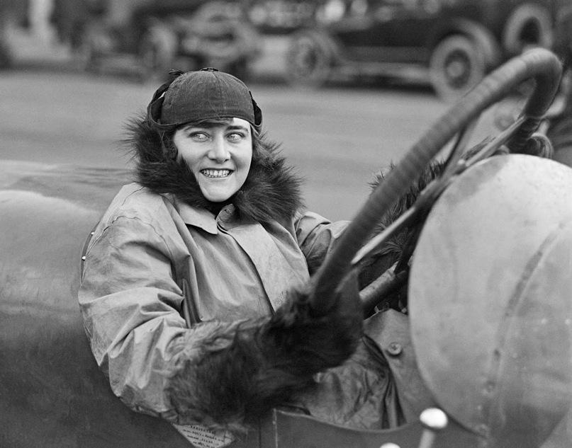 Miss Elinor Blevins, auto racer, 1915